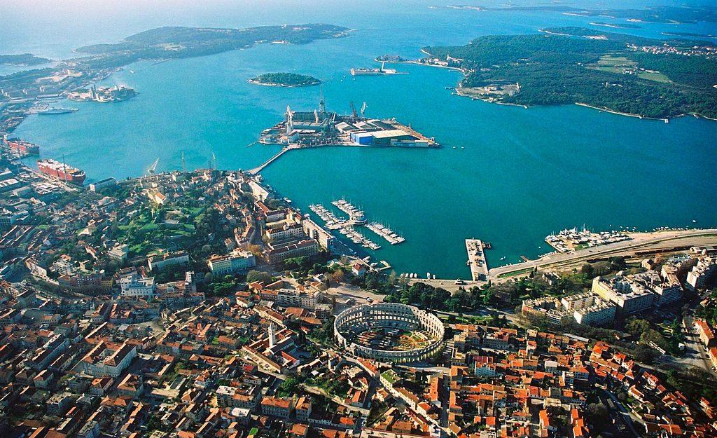 Pula-altrömische Stadt in Kroatien